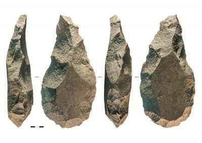 Giant-Handaxes.jpg