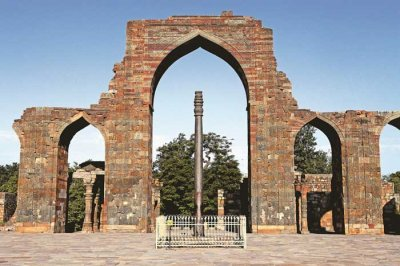 the-iron-pillar-of-delhi-02.jpg