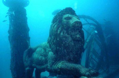 submerged-lion-city.jpg