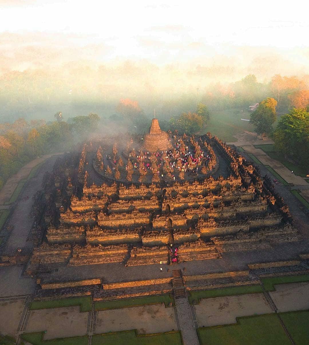 Borobudur-1.jpg