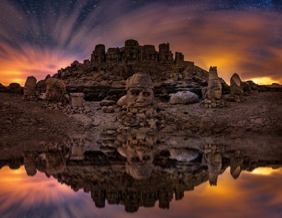 Nemrut-heads-twilight.jpg