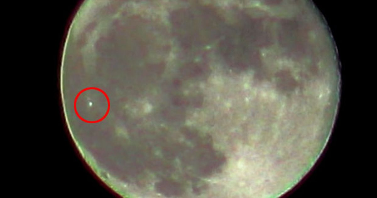 UFO-spotters-are-baffled-by-green-lights-on-the-moon.jpg