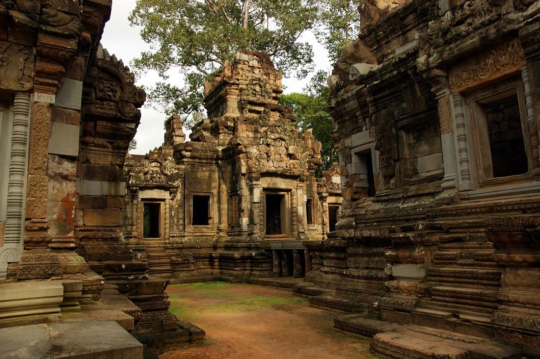 Angkor Chau Say Tevoda je hinduistický chrám postavený ve městě Angkor ve 12. Století našeho letopočtu.